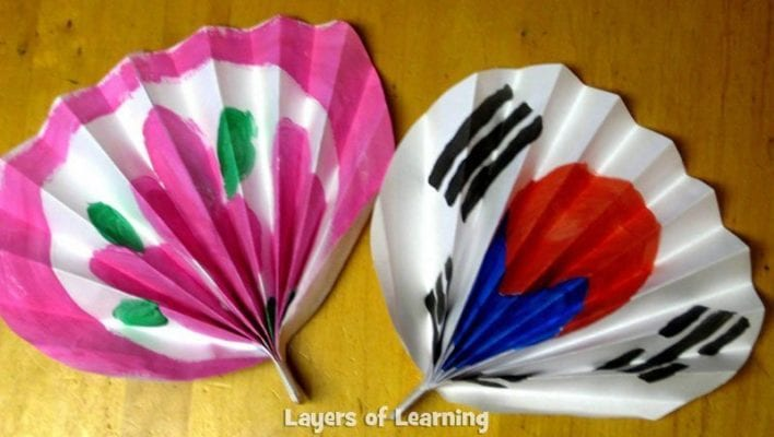 Korean_paper_fan_2